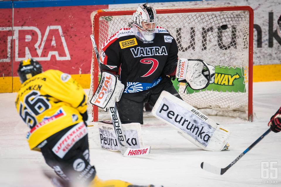 Lasse Lappalainen tälläsi ottelun voittomaalin.