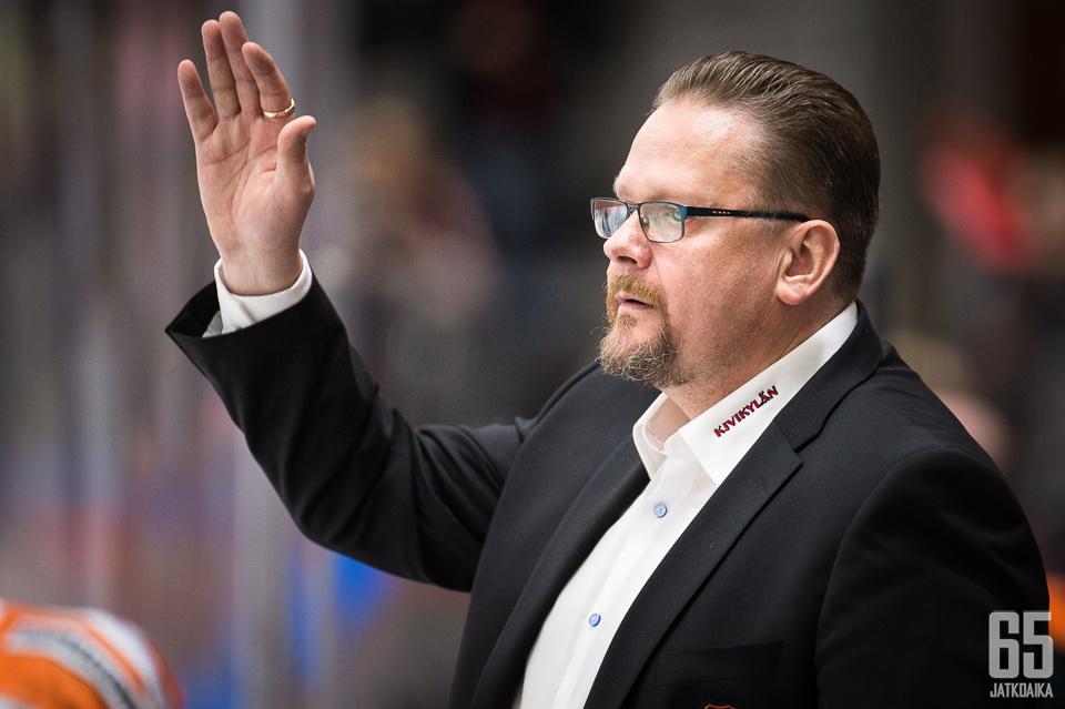 Nopeimpia maalivahtihankintoja Lehtonen ei ole ehtinyt edes valmentaa.
