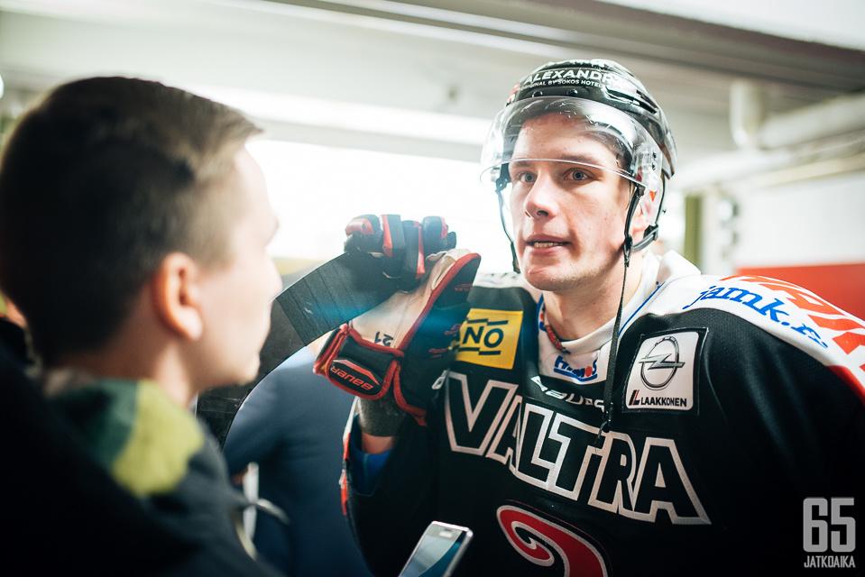 Valtteri Hotakainen oli mietteliäällä päällä ottelun jälkeen.