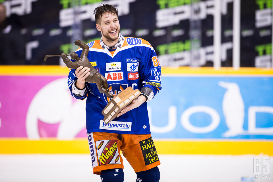 Peltola toimi mestarijoukkueen kapteenina toista kertaa peräkkäin.