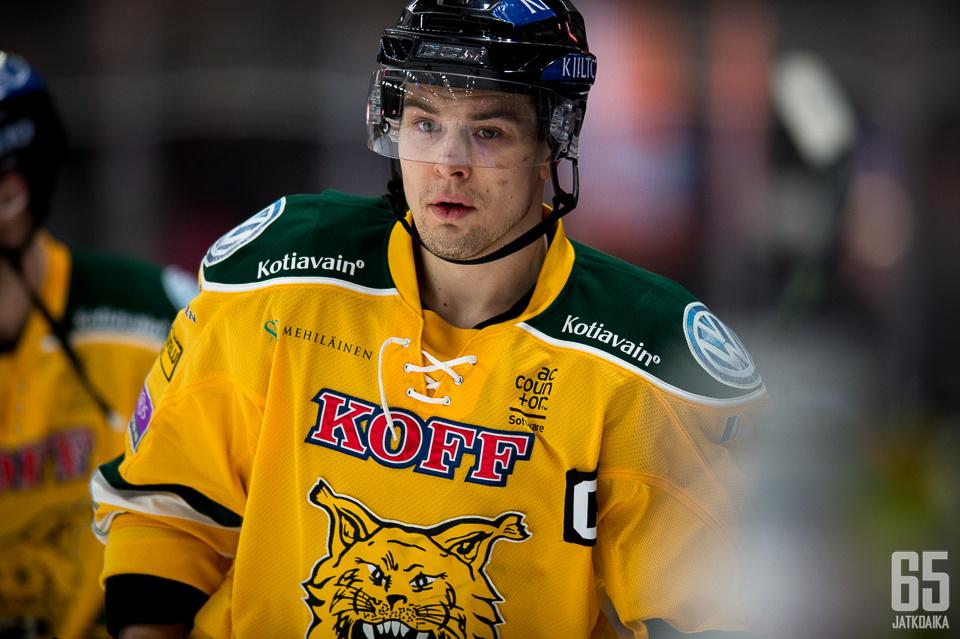 Tapio Laakso saalisti perjantaina merkkipaalun urallaan.