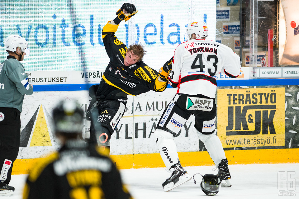 Yonkman ryöpytti Seppälää.