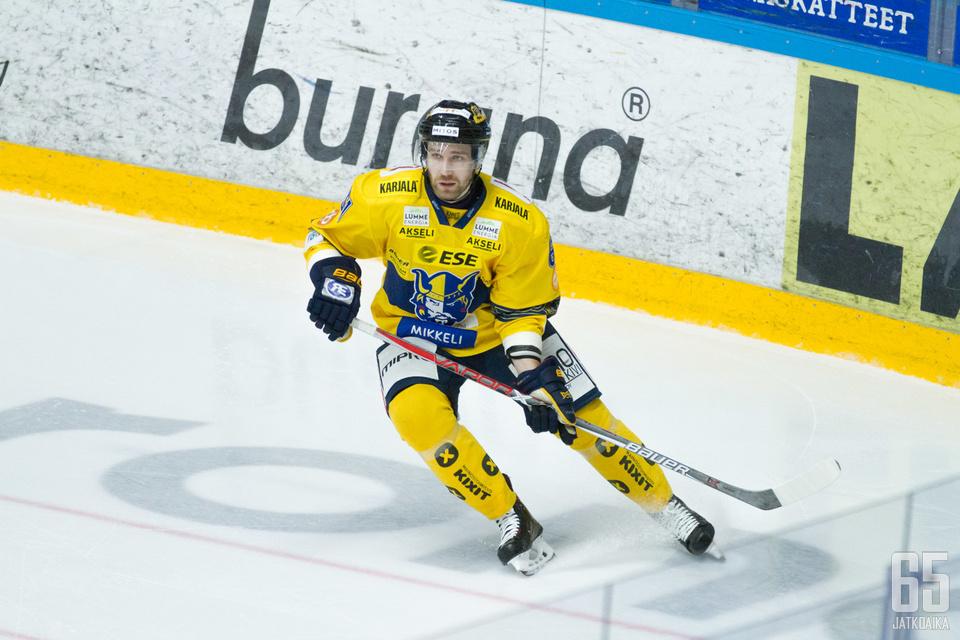 Markku Flinck nousi ottelun ratkaisijaksi Raumalla.