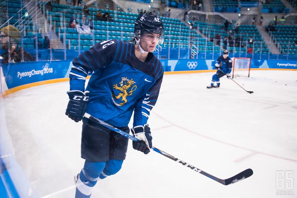 Heiskanen on Suomen pelaavassa kokoonpanossa myös tänään Ruotsia vastaan.