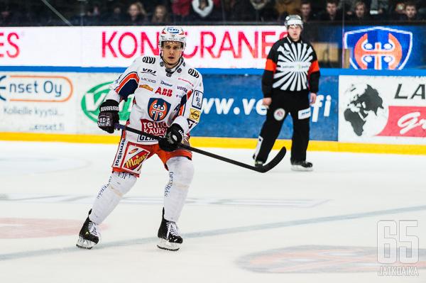 Puistola palasi ulkomailta Tapparaan kaudella 2013-2014.