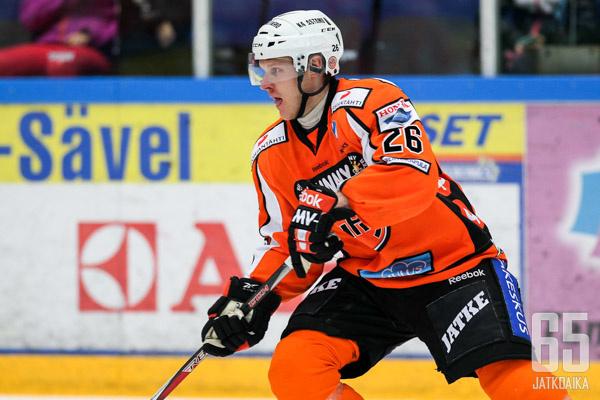 Tuominen pelasi viime kaudella HPK:ssa ja Bluesissa.