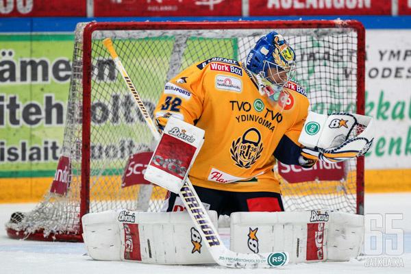 Oskari Setänen jännittää jatkossa katsomosta joukkueensa pelejä.