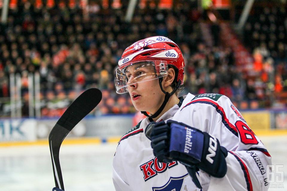 """Robert Leino on tyytyväinen HIFK:ssa: """"Tykkään paljon tästä jengistä ja Helsingistä"""""""