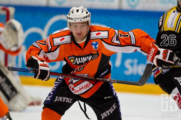 Otto Paajanen nähdään jatkossakin oranssissa paidassa.