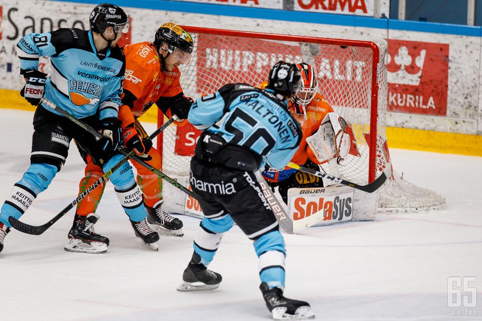 Juhamatti Aaltonen kumautti liigakauden avauspelissään niin maali- kuin syöttötilinkin auki.