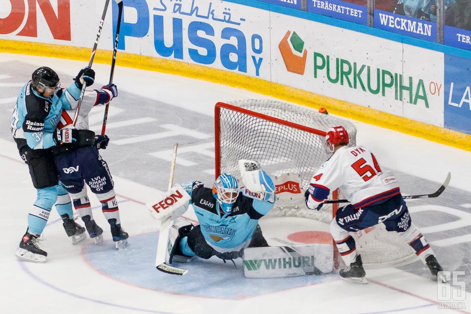 Karhusen hanskakäsi oli vireessä IFK:ta vastaan.