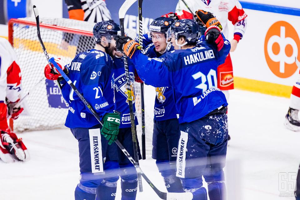 Suomi pääsi juhlimaan maaleja muttei ottelun voittoa.