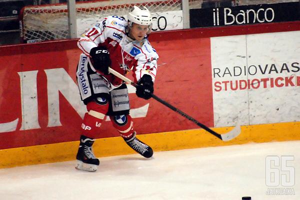 Michal Kristof syöttelee alkavalla kaudella Peliittojen paidassa.