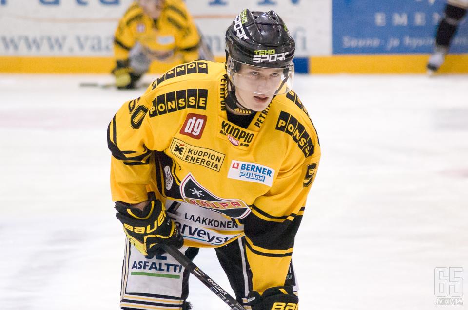 Juuso Riikola nousi päättyneellä kaudella isoon rooliin KalPan puolustuspäässä.