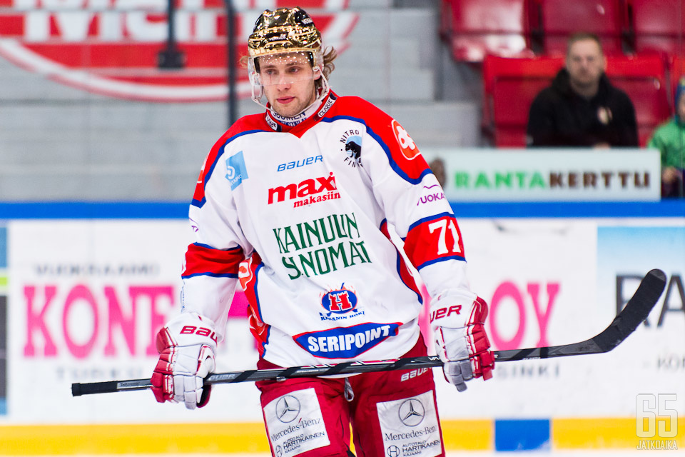 Guttig pelasi viime kaudella Hokissa.