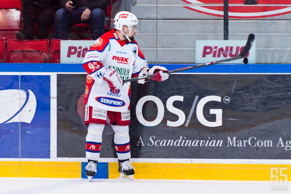 Jarkko Heikkinen on toinen loppukauden sivussa olijoista.