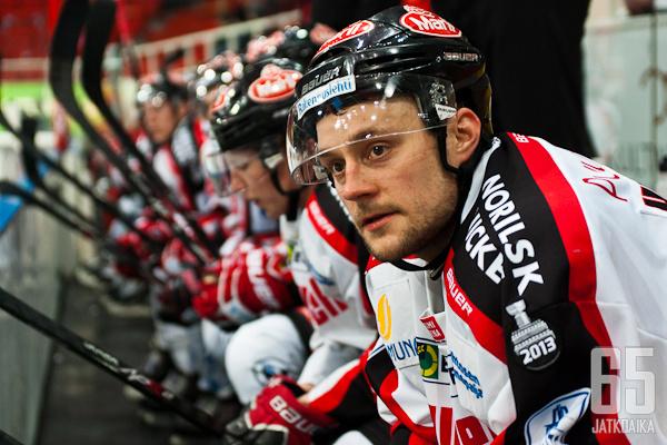 Huhtanen pelasi Ässissä viimeksi kolme kautta sitten.