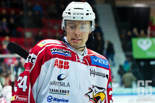 Joni Haverinen suuntaa pääkaupunkiseudulle. Vaihdossa Vaasaan matkaa Oskari Manninen.