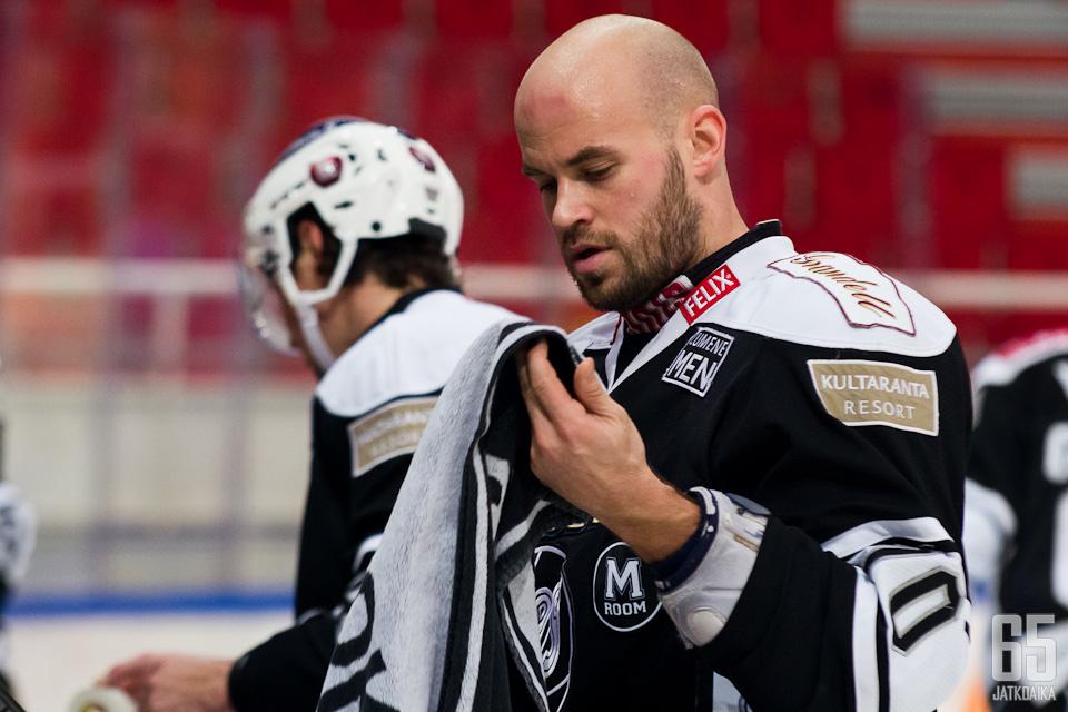 Radek Smolenakin TPS-visiitti jäi lopulta 31 pelin mittaiseksi.
