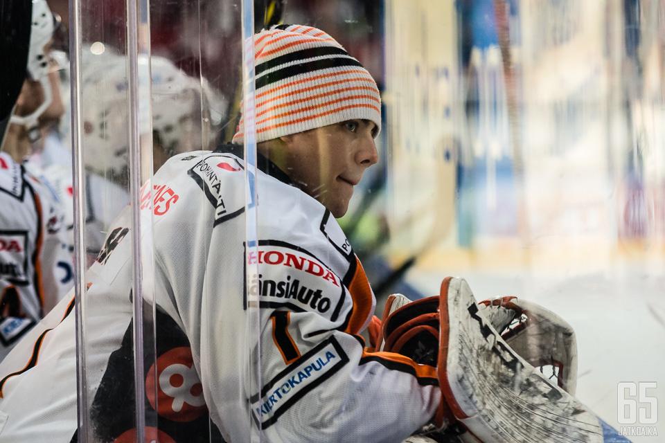 Saros debytoi NHL:ssä.