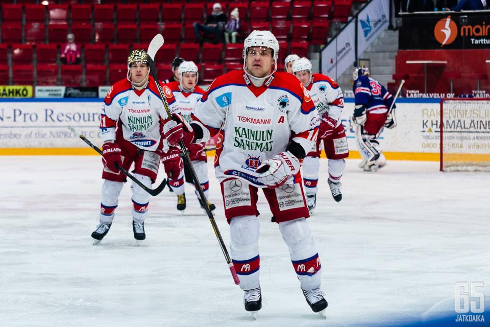 Niko Saarenpää aloittaa syksyllä jo seitsemännen kautensa Hokissa.