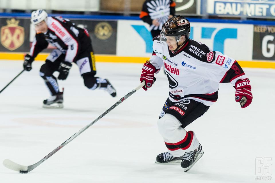 Kallela on edustanut Liigassa aiemmin muun muassa Ässiä.