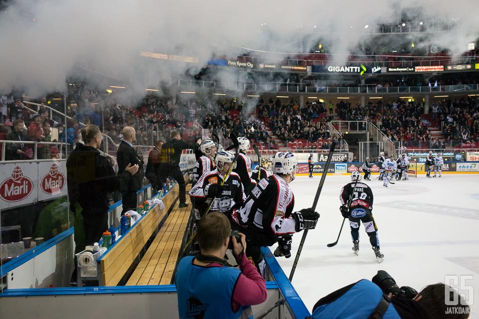 TPS ja Kärpät pelaavat maanantaina Turussa.