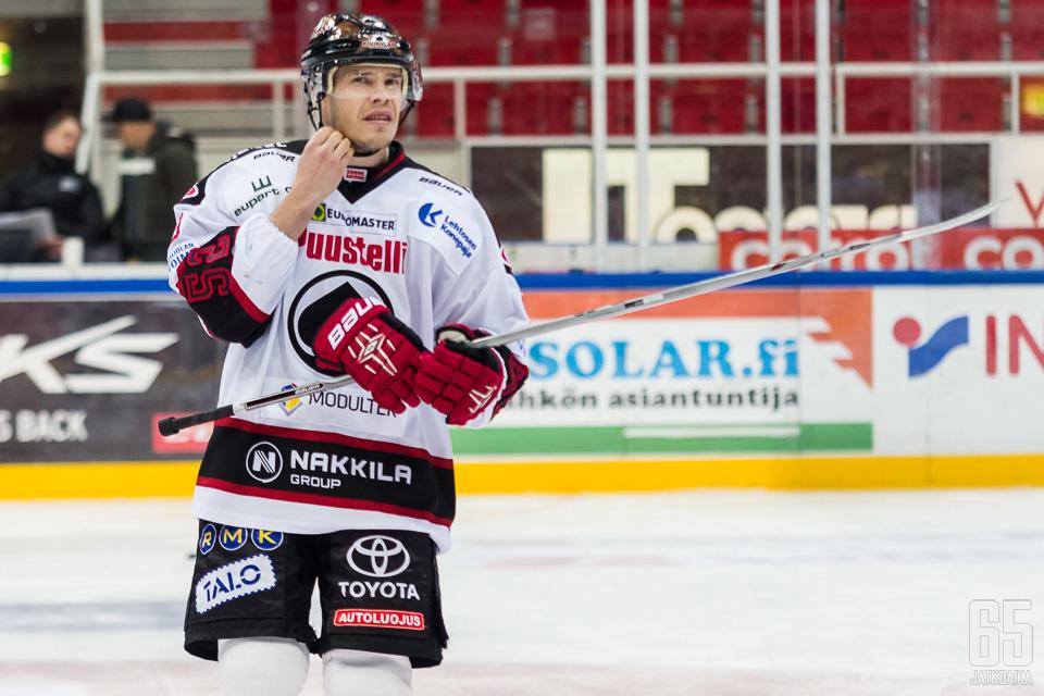 Uusitalo edusti Ässiä uransa viimeiset kahdeksan kautta.