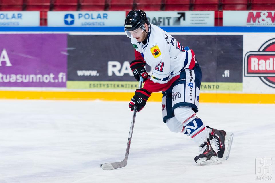 Hermeksen Ville Rajala oli yksi tehokaimmista pelaajista lauantaina saldollaan 1+2. (Arkistokuva)