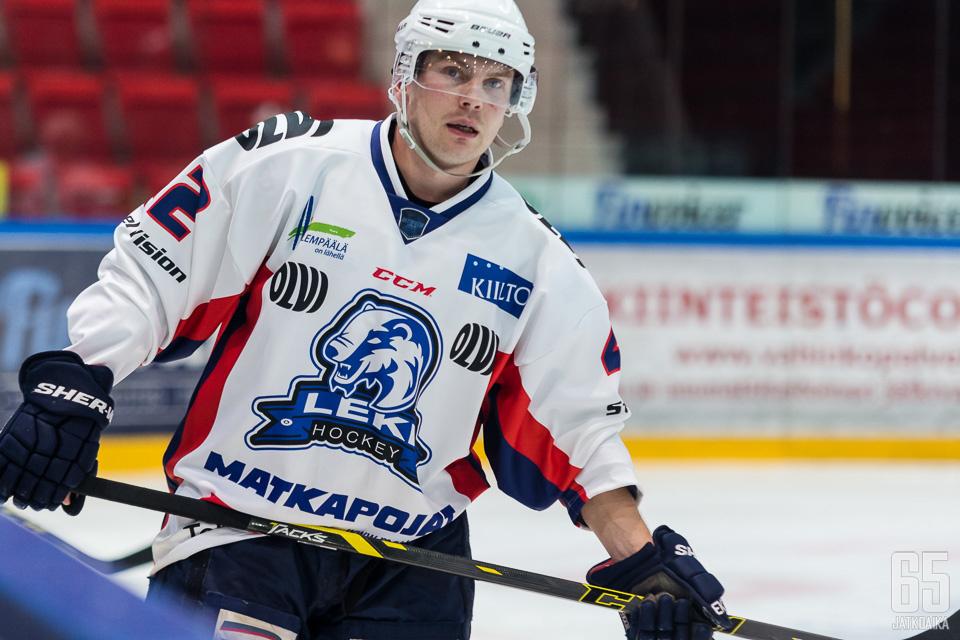 Kauppila pelasi viime kauden LeKissä.