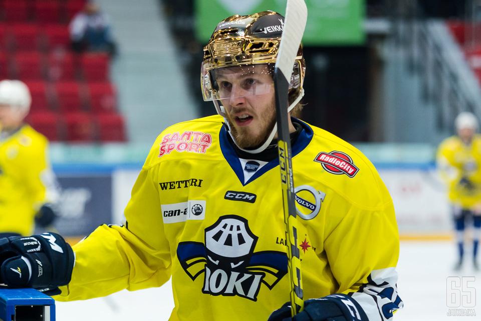 RoKissa ja Hokissa Peliittojen ohella pelannut Henri Fomin vahvistaa tulevalla kaudella Iisalmen Peli-Karhuja. Viime kaudella mies oli Peliittojen neljänneksi paras pistemies.