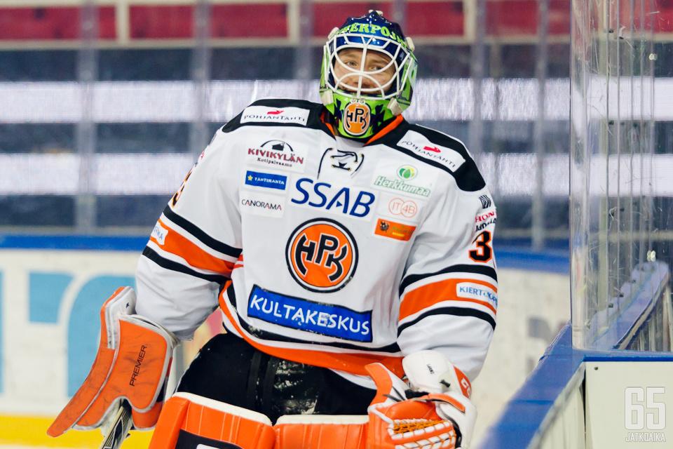 Emil Larmilla oli TPS-voiton myötä syytä hymyillä.