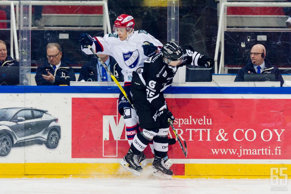 HIFK on voittanut kaikki kolme kamppailua TPS:ää vastaan.