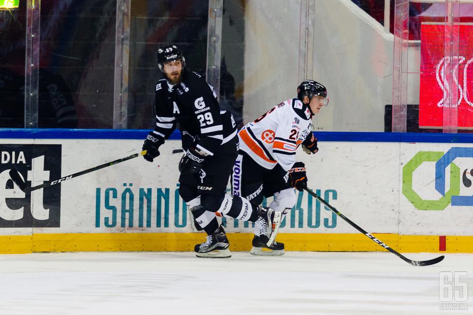 Waltteri Hopponen on espoolaistaustainen pelaaja.