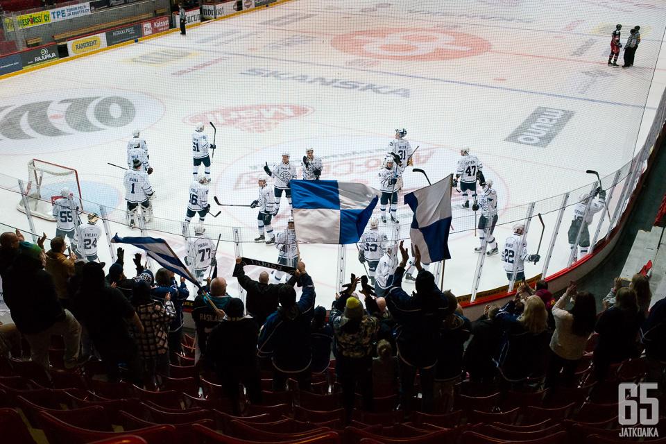Espoolaiset voittivat menneellä Mestis-kaudella pronssia.