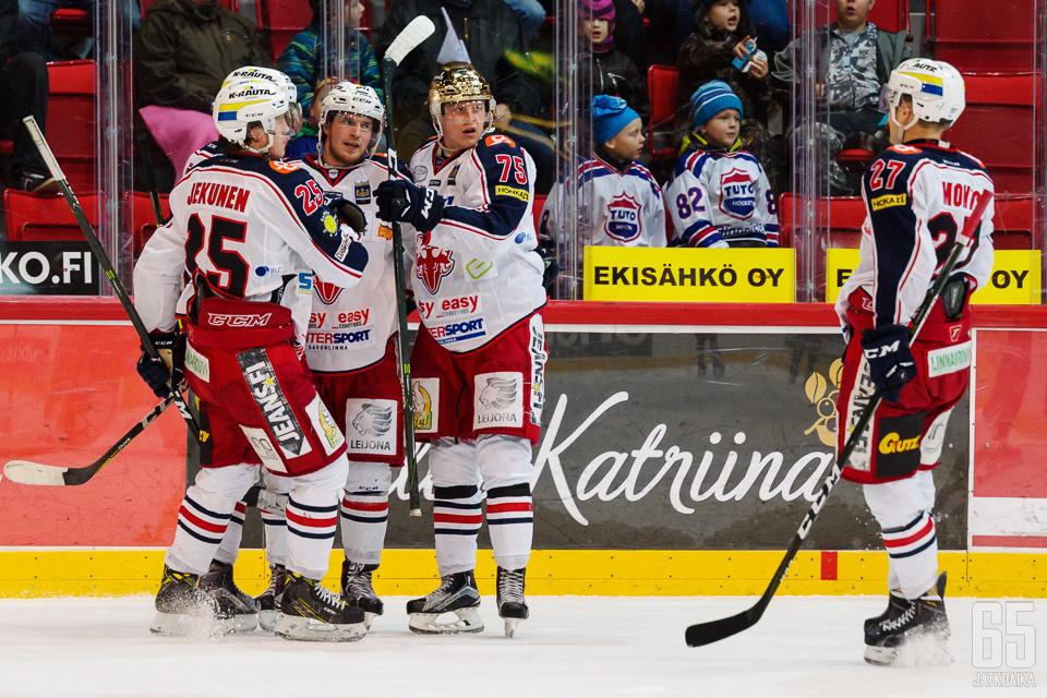 SaPKon tehoketju Jonatan Tanus - Joona Monto - Teemu Lepaus ratkoi pelin jälleen kerran.