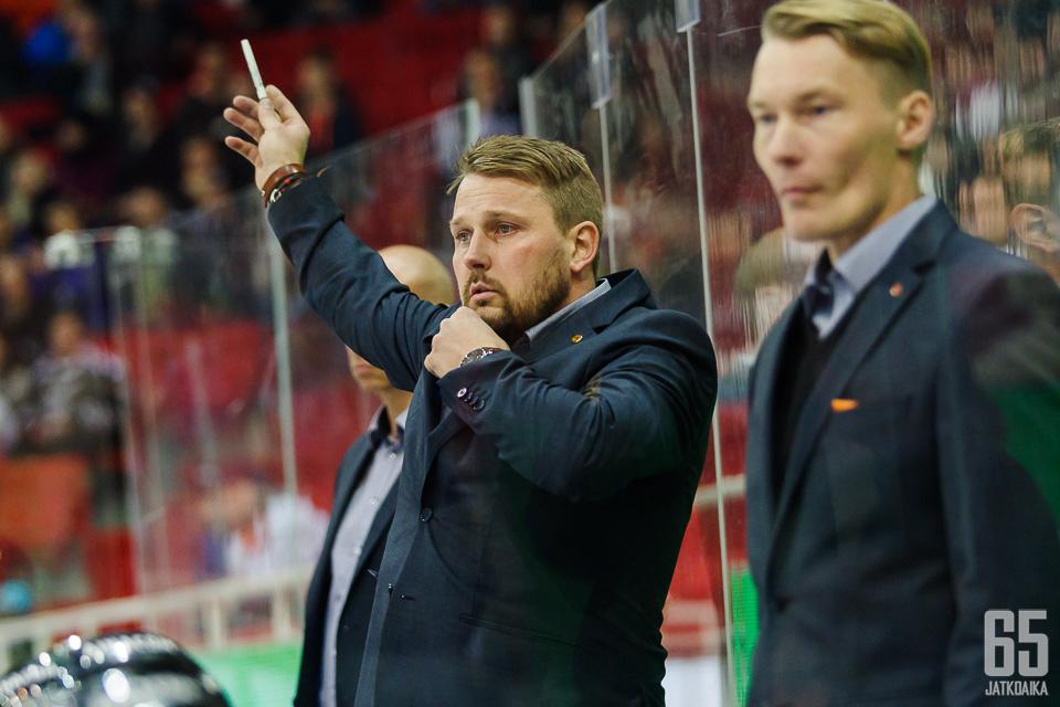 Antti Pennasen ensimmäinen kausi HPK:n päävalmentajana oli positiivinen.