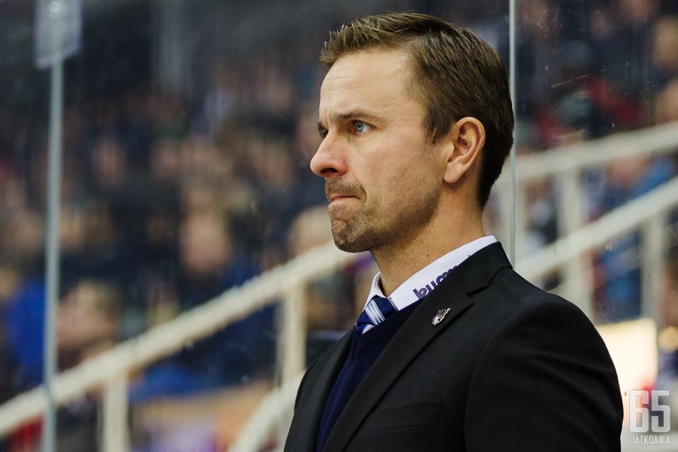 Hakkarainen on ollut viime kaudet Jukureiden joukkueenjohtaja.