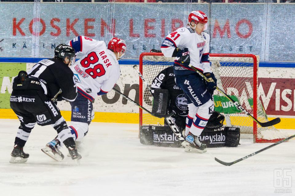 HIFK:n Joonas Rask oli illan hahmoja.