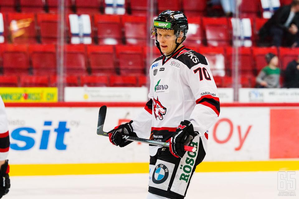 Joel Olkkonen on edustanut Mestiksessä 144 ottelua Jokipoikia.