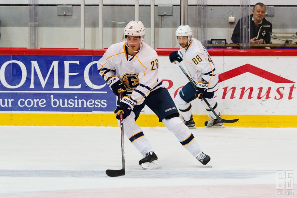 Viime kauden Hopponen kiekkoili Mestiksessä.