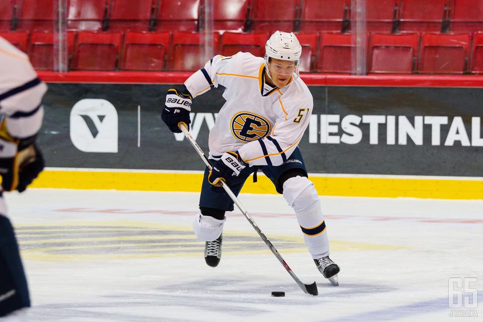 Iisakka pelasi kaksi edelliskautta Espoo Unitedissa.
