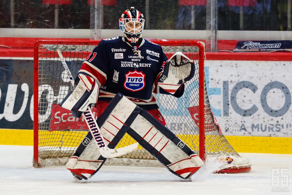 TUTOn maalivahti Julius Pohjanoksa pelasi keskiviikkona hyvän ottelun.