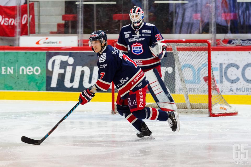 TUTOn urheilutoimenjohtaja maalailee Karlssonia ensi kauden Mestis-elittiin.