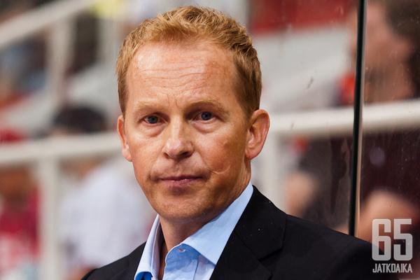 Kaksinkertainen Stanley Cup -voittaja Reijo Ruotsalainen saa käyttöönsä Mestiksen parhaimman ketjun.