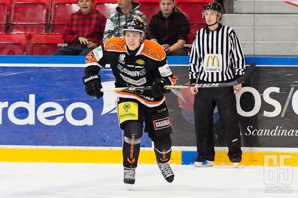 Niklas Appelgren jatkaa KooKoossa.