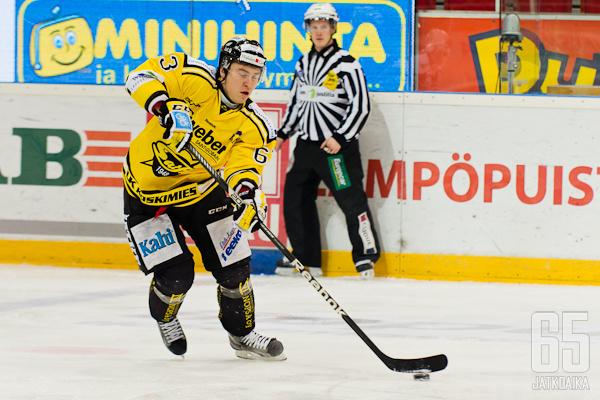 SaiPassa viime kaudella hyökännyt Markus Poukkula hakee pelipaikkaa JYPistä.