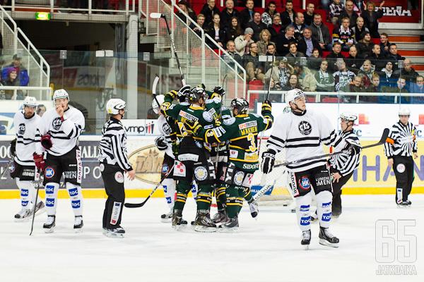 TPS jäi Ilveksen jalkoihin juhlaottelussaan.