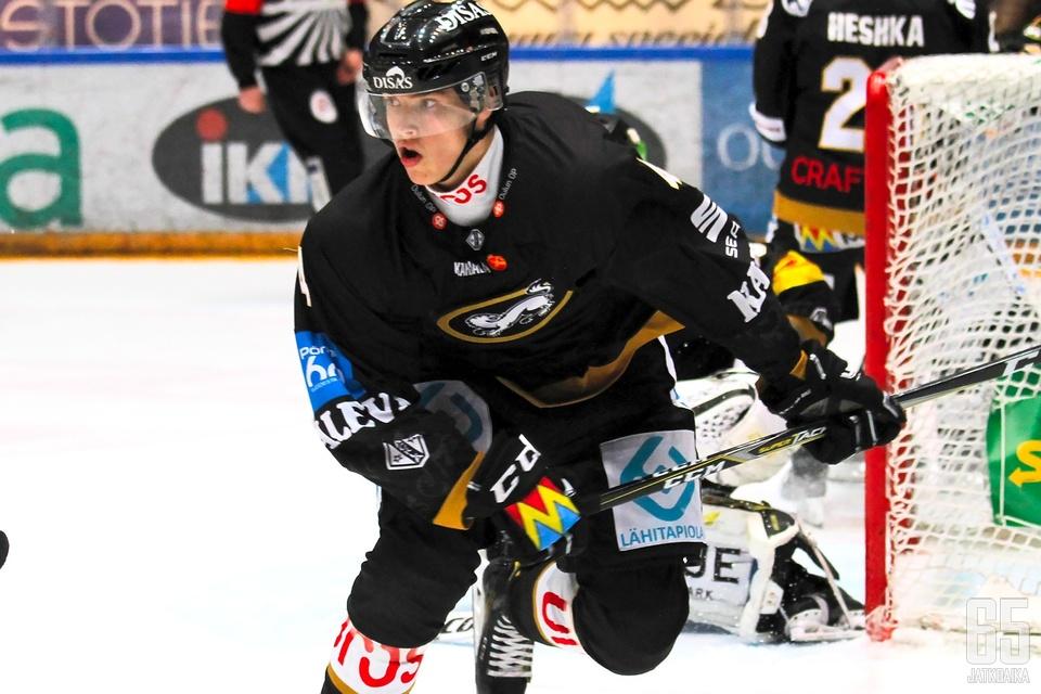 Huttula teki viime kaudella liigadebyyttinsä.