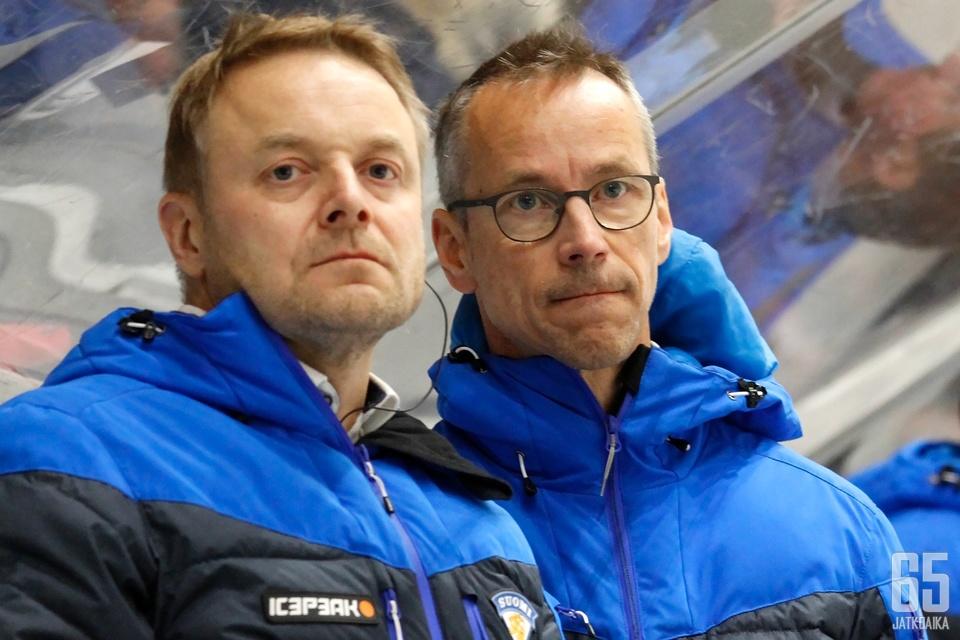 Valmentajakaksikko Juuso Toivolalle ja Pasi Mustoselle jäi mietittävää maalinteon tehottomuudesta.